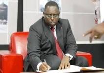 Macky Sall interdit les ministres d'escorte et siréne par un nouveau decret