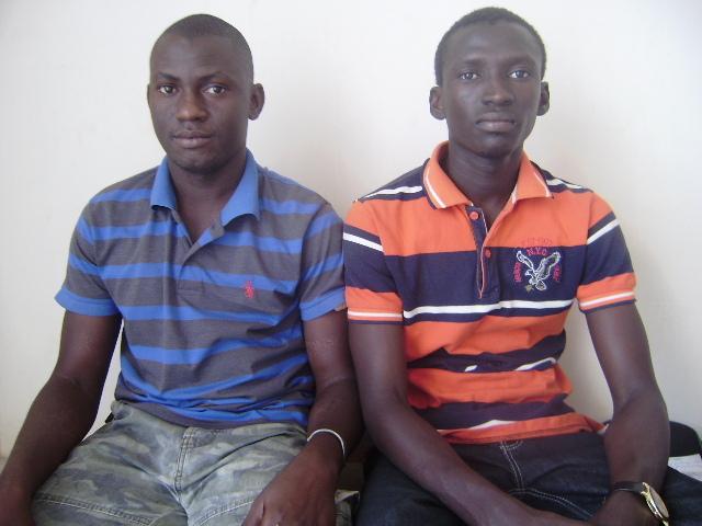 Mamadou Lamine Dabo en chemise orange et Souleymane Diatta (Secrétaire à l'organisation)