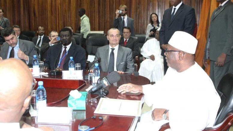 IBK rend visite aux militaires maliens basés dans le nord du pays