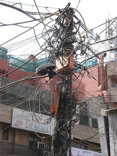 29 personnes alpaguées pour fraude d'électricité, la SENELEC calcule les pertes et annonce un projet de loi
