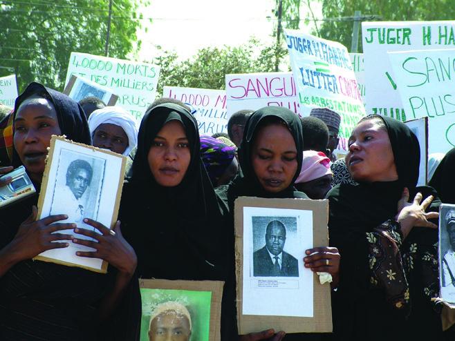 Manifestation de colère des associations des victimes contre la libération de quatre ex-bourreaux sous Habré (Photo archive)