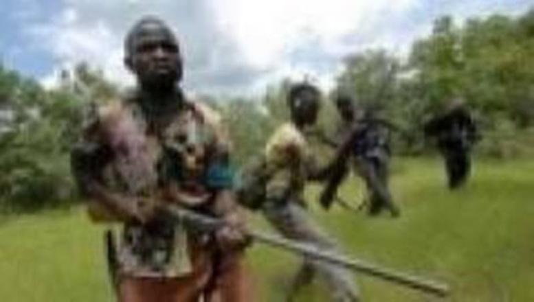 Casamance-le processus de paix plombé : le MFDC attaque Macky, menace Amsatou Sow Sidibé et se démarque de César Atoute Badiate