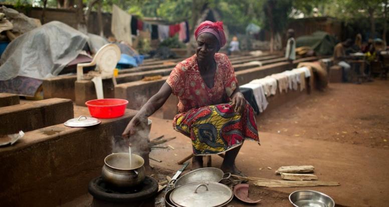 Le féminisme, arme fatale contre la famine en Afrique