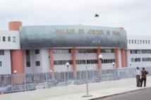 Khalifa Diakhaté (TFM) traduit  Ndeye astou Guèye (Walfadjri) au tribunal  et lui réclame 5 millions pour sévices corporels,...