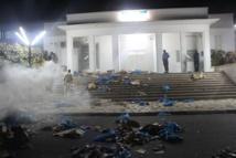 Images - Ucad: Les étudiants, en colère, brulent tous sur leur passage