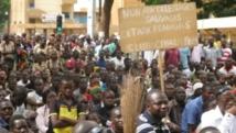 Manifestation à Ouagadougou, ce mardi 29 avril 2014, à l'appel du mouvement « Le balai citoyen » pour protester contre les multiples coupures d'électricité.