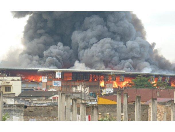 Pikine-Incendie au marché Zinc : 10 millions partent en fumée, les commerçants dénoncent