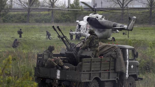 Ukraine: Kiev poursuit son offensive et évoque une «guerre»