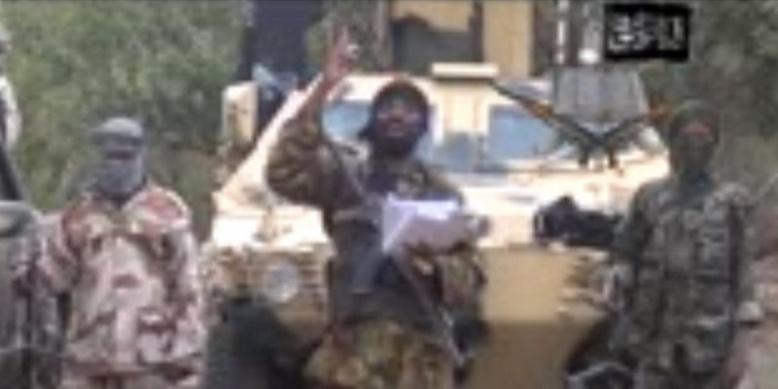 Abubakar Shekau, le chef de Boko Haram, a diffusé un message vidéo dans lequel il affirme que les lycéennes enlevées seront vendues et mariées de force © Photo AFP HO