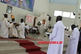 Le Cardinal Sarr a ordonné deux diacres de la Congrégation du Saint Sacrement