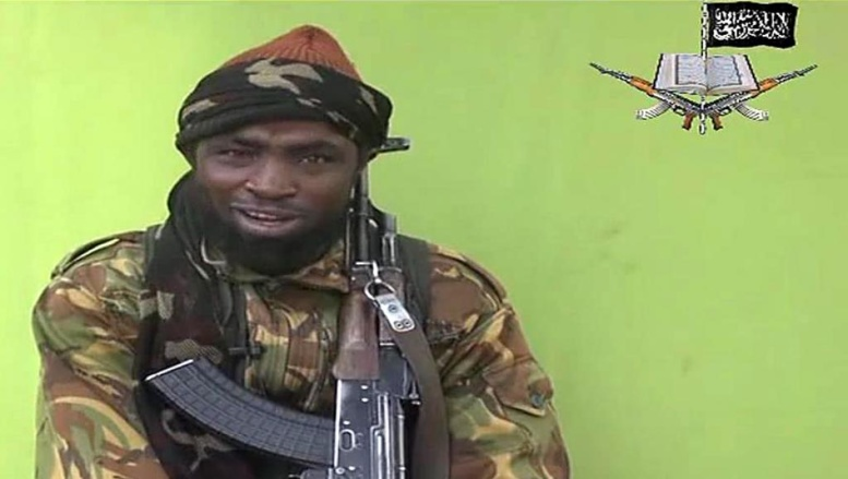 Aboubakar Shekau, leader du mouvement islamiste Boko Haram, dans la vidéo diffusée ce lundi 12 mai 2014. AFP PHOTO / BOKO HARAM