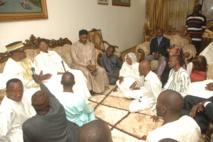La famille Omarienne à Wade: « On se bat pour la libération de Karim à cause de ... »