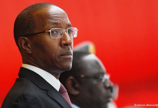 SERVIR d'Abdoul Mbaye ancien Premier ministre : « Le politicien parle aux hommes, l'homme politique au temps »