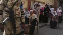 Les queues se sont formées devant les bureaux de vote en Egypte pour l'élection présidentielle des 26 et 27 mai, ici au Caire.