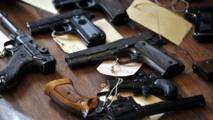 Trafic d'armes au cœur de la cité religieuse : 12 personnes et 25 pistolets automatiques saisis
