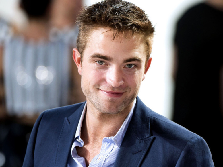 Robert Pattinson avoue etre toujours en contact Kristen Stewart