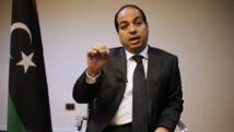 Ahmed Miitig a été confirmé au poste de Premier ministre lors d'une réunion du Parlement tenue secrète. Mais les forces de «l'opération dignité» ne reconnaissent pas son gouvernement. REUTERS/Ahmed Jadallah