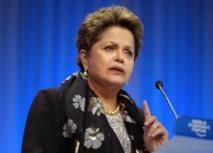Mondial 2014 : Dilma Roussef met en cause la Fifa sur le retard des stades