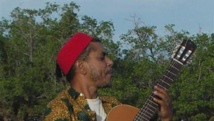 Le chanteur-poète comorien Maamesh, ici dans une photo datée de 2008. Crédit/Matthieu Morando