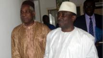Sidya Touré et Bakary Fofana, le président de la CENI, lors des pourparlers sur les conditions des élections