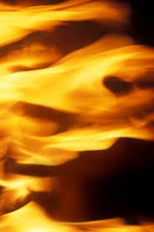 Incendie: les mèches darling, proie des flammes (mis à jour)