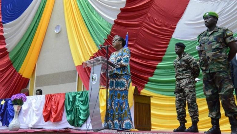 Discours de la présidente de transition, Catherine Samba-Panza, aux membres du Conseil national de la transition, à Bangui, le 6 mai 2014. AFP / ISSOUF SANOGO