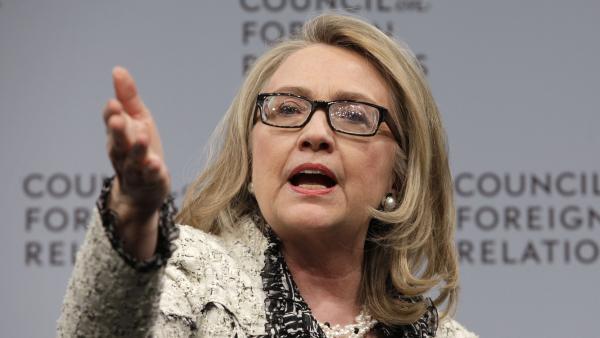 Hillary Clinton attend de Nouri al-Maliki plus de gestes d'ouverture à l'endroit des communautés sunnites et kurdes. REUTERS/Yuri Gripas