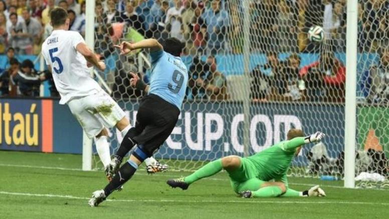 """CDM 2014- Uruguay-Angleterre (2-1): Suarez renvoie le"""" Three Lions"""" à la maison ou presque"""