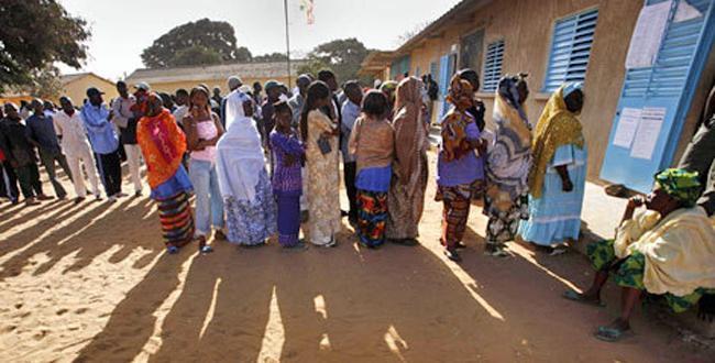 Locales 2014: 5,3 millions d'électeurs appelés à choisir 28028 conseillers dans 602 collectivités, la CENA en alerte