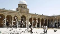 Une centaine de mosquées échapperaient encore au contrôle de l'Etat qui veut également mettre fin à la prolifération anarchique des associations coraniques après la révolution de 2011.