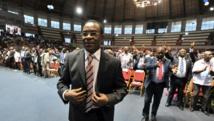 Le président par intérim du FPI, Pascal Affi N'Guessan lors de la convention de son parti, le 22 février 2014. AFP PHOTO / ISSOUF SANOGO