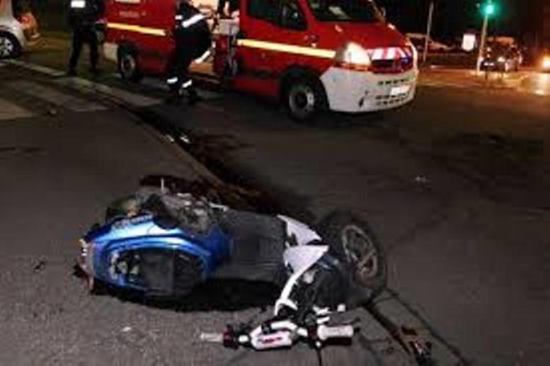 Bourguiba: un conducteur de scooter terrasse une jeune femme et récolte le mépris des badauds malgré ses blessures