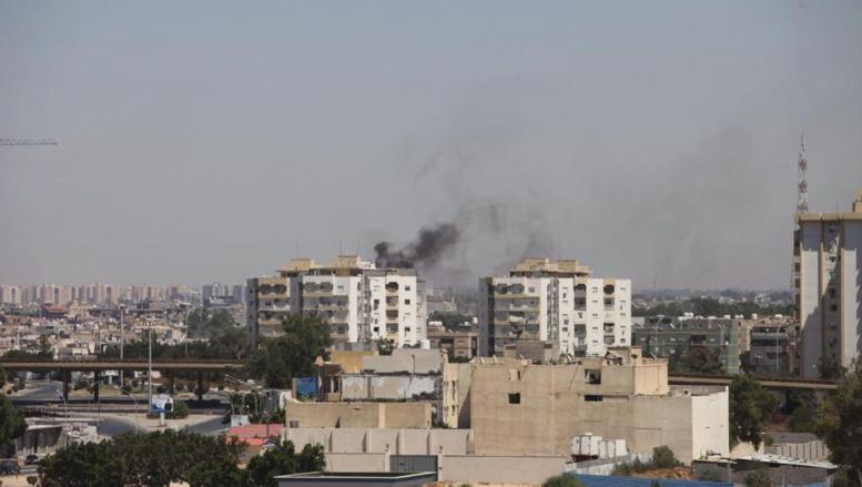 Les combats se sont poursuivis tout le week-end - ici à Tripoli, le 20 juillet 2014 -, sans pour autant interrompre le processus électoral. REUTERS/ Hani Amara