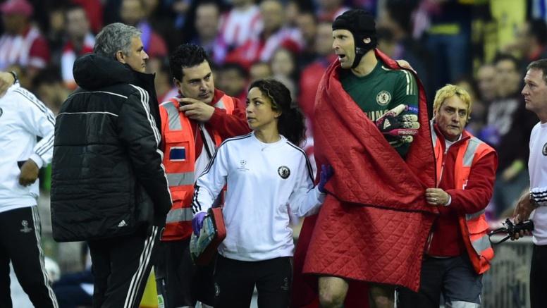 Transferts - Chelsea : Entre Petr Cech et Thibaut Courtois, Mourinho choisit… les deux