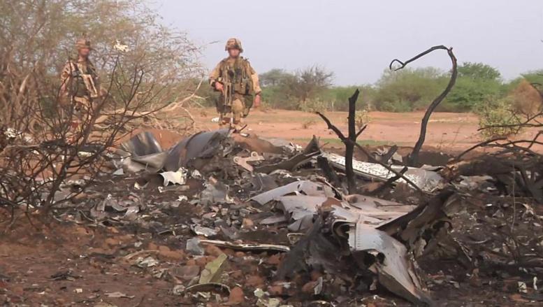 Le site du crash du vol AH5017 d'Air Algérie à proximité de la ville de Gossi, dans le nord du Mali. Photo non datée publiée par l'Établissement de communication et de production audiovisuelle de la Défense (ECPAD) REUTERS/ECPAD/Handout via Reuters