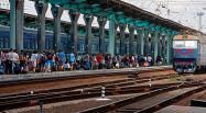 Ukraine: les habitants de l'Est tentent de fuir par le train