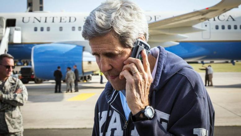 Plusieurs téléphones non sécurisés de John Kerry auraient été écoutés.