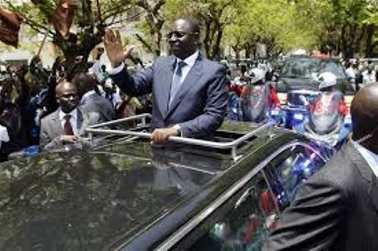 """Macky Sall en """"visites économiques"""" ou """"pré-campagne électorale déguisée"""": Le conseil des ministres suspendu pour un  mois"""