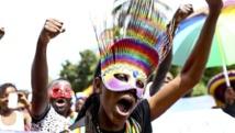 Le 9 août, des militants ougandais de défense des droits des homosexuels ont manifesté pour saluer l'invalidation de la loi anti-gay. REUTERS/Edward Echwalu