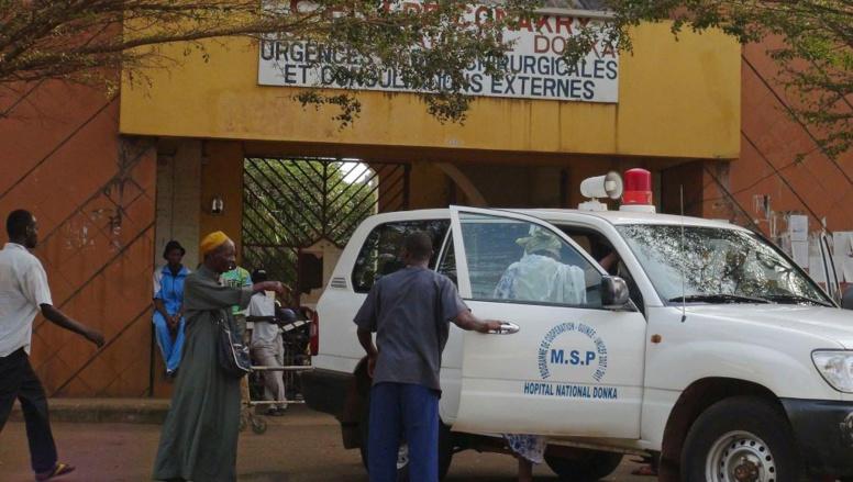 L'hôpital Donka, à Conakry, où les patients atteints du virus Ebola sont placés à l'isolement. REUTERS/Saliou Samb