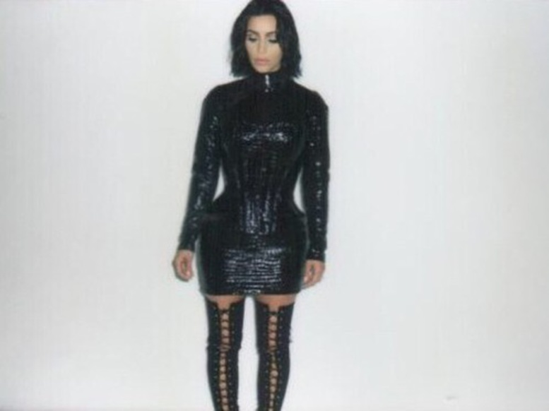 La séance photo complètement ratée de Kim Kardashian (PHOTOS)