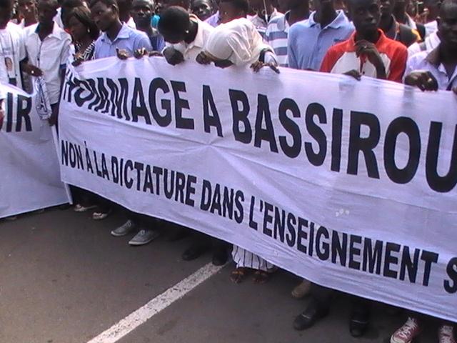 Ucad hommage à Bassirou Faye:séance de recueillement en images...