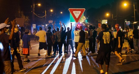 Emeutes de Ferguson: les noirs américains n'ont plus de leaders capables de défendre leurs droits