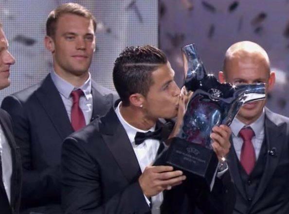 Football - Ronaldo meilleur joueur UEFA de l'année