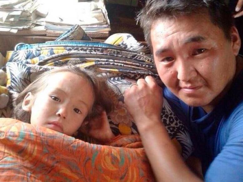 Incroyable! Karina, 3 ans, survit 11 jours dans la Taïga grâce à son chien