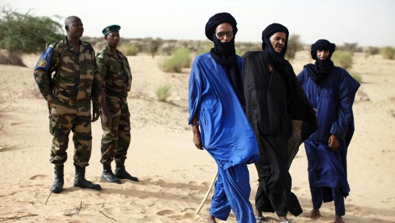 Les groupes du nord du Mali se sont engagés à cesser toute hostilité entre eux et à parler d'une même voix à Alger où les discussions avec le gouvernement malien doivent reprendre la semaine prochaine. MALI-UN/ REUTERS/Joe Penney