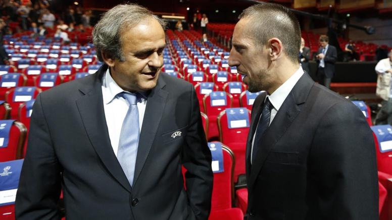 Football:Michel Platini menace de suspendre Franck Ribéry s'il refuse de jouer en sélection
