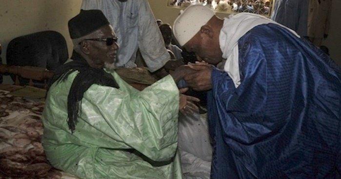 Me Wade se confie au Khalife des Mourides : « Celui qui achèvera les travaux de Touba sera de ma famille... »