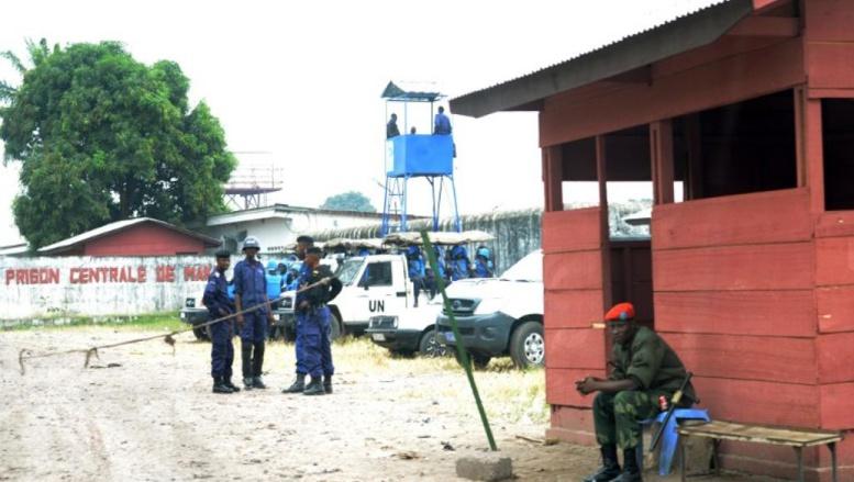 Entrée de la prison de Makala à Kinshasa, le 2 juillet 2013. FP PHOTO / JUNIOR D. KANNAH