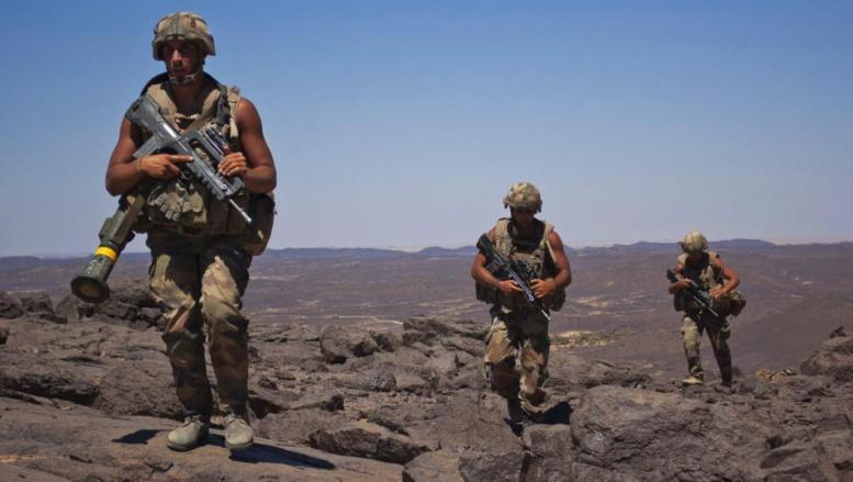 Des soldats français en patrouille au sud de Tessalit, le 20 mars 2013. REUTERS/Francois Rihouay